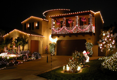 Free christmas wallpapers christmas wallpapers merry - Christmas lights house ideas ...